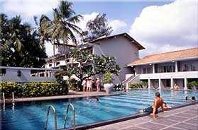 Pool at the Blue Oceanic Negombo